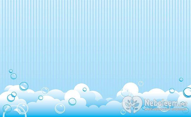 Мильні бульбашки у воді