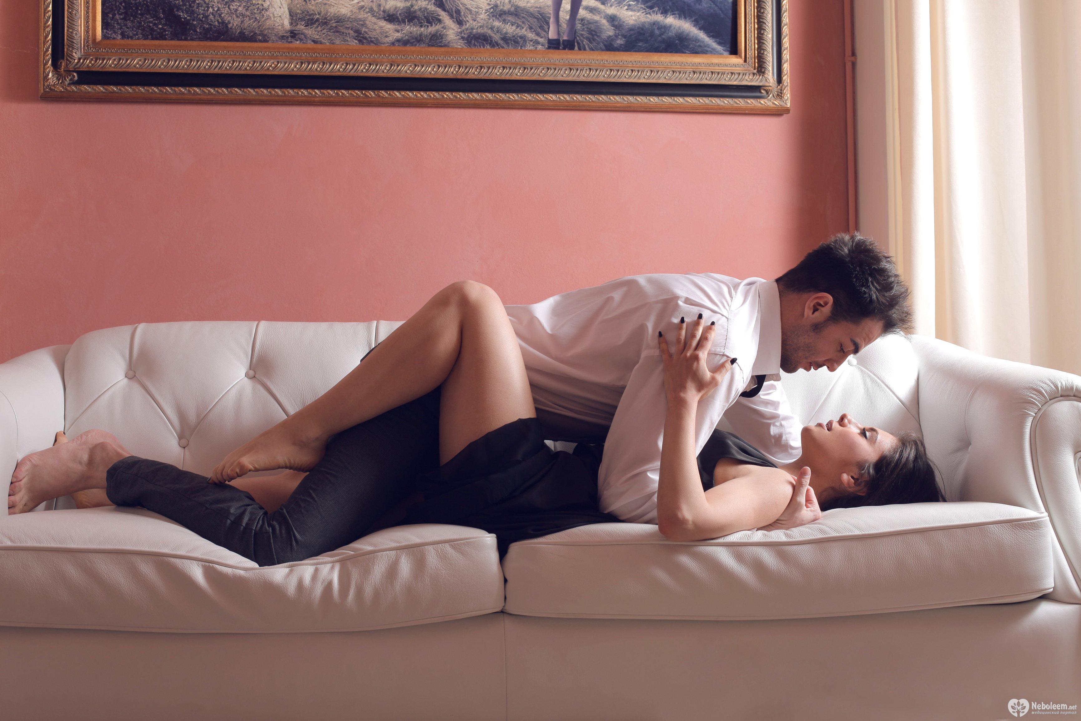 Секс на старом скрипучим диване 25 фотография