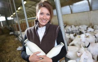 10 фактов о целебных свойствах козьего молока