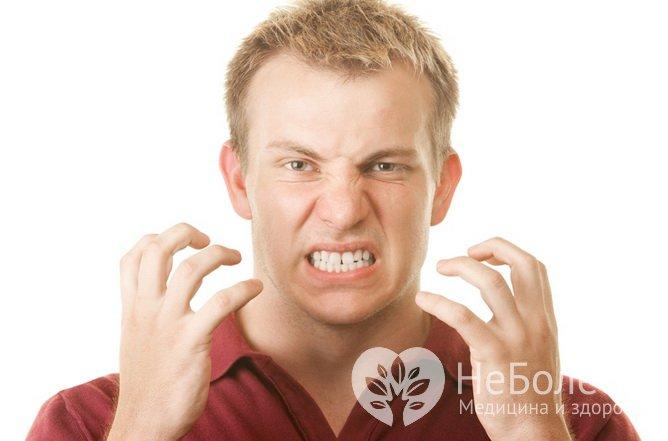 Людина, заражена гельмінтами, скрипить зубами уві сні