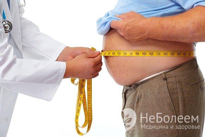 При наличии лишнего веса его уменьшение на 10 кг позволяет снизить показатели АД на 10 единиц